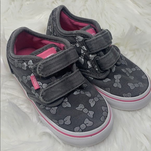 Vans Other - Vans Toddler Girls Gray & Pink Bow Sneakers sz 7.5